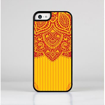The Gold & Red Abstract Seamless Pattern Skin-Sert Case for the Apple iPhone 5c