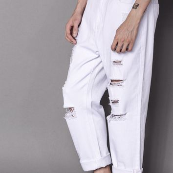 Relaxed Light Wash Distressed Jean | White