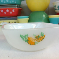 Agee Pyrex lemon ramekin! Rare, Australian Crown Pyrex, tab handle, 12 oz dish! Retro, vintage citrus pattern stackable Pyrex dish.