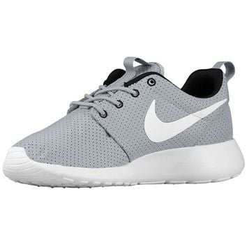 foot locker nike roshe womens black and white