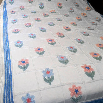 Vintage Chenille Full Queen Floral Bedspread White Blue Pink Green