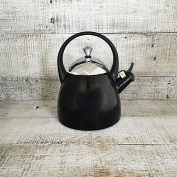 Tea Kettle Enamel Tea Kettle Retro Metal Teapot with Resin Handle Vintage Whistling Tea Kettle Black Enamel Teapot Mid Century Kitchen Decor