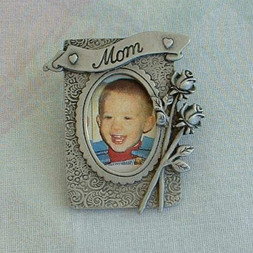 JJ Jonette Picture Frame Brooch for Mom Pewter Roses Vintage Mothers Day Jewelry
