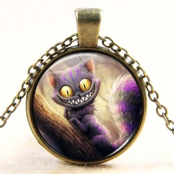 2017 New Fashion Alice in Wonderland Necklace Cheshire Cat Fairytale Jewelry Bronze silver Pendant Glass Cabochon Necklace