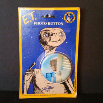 Vintage ET Extra Terrestrial Photo Button In Original Packaging Star Power Great Retro Style