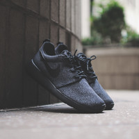 NIKE WMNS Roshe Run Print - Anthracite / Black - Email Orders
