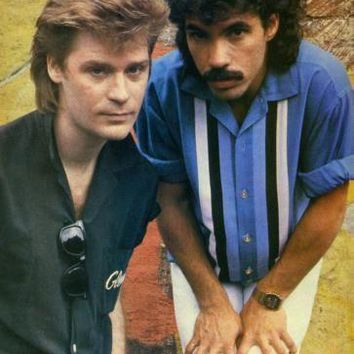 Hall And Oates Poster 16inx24in