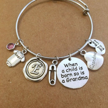 Personalized Charm Bracelet - Gift for a grandma
