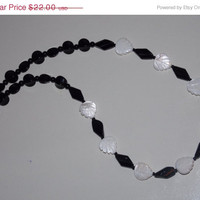 33%OFF Mother of Pearl Leaf Necklace