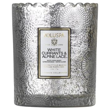 VOLUSPA EMBOSSED GLASS SCALLOPED EDGE CANDLE - WHITE CURRANTS & ALPINE LACE