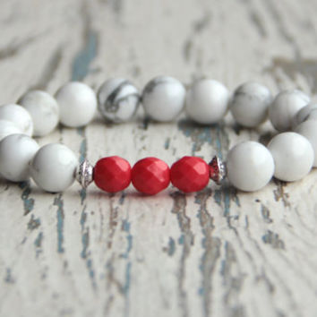 Red white beaded Bracelets Girls bracelet Girlfriend Bracelet Stretch bracelet Howlite Czechglass Woman jewelry Gift idea Gemstone accessory