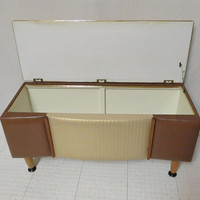 Vintage Mid Century Modern Padded Upholstered Blanket Box Lift Top Chest Trunk Quilt Hope Chest Toy Chest
