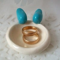 Ring holder dish with a pair of love birds by Rainsend on Etsy