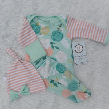 Baby girl coming home outfit//Newborn gown//Mint floral + blush stripes//bow headband