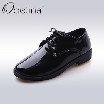 Odetina 2017 New Spring White Black Patent Leather Shoes for Women Lace Up Casual Shoes Fashion Flats Chunky Heel Ladies Brogue