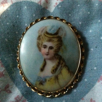 Vintage Porcelain Gold Tone Filigree Victorian Lady Brooch Pin, Victorian Lady Pin, Collectible Brooch Pin, Summer Brooch, Birthday Gift