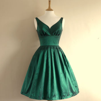 Emerald Green Taffeta Prom Dress - Made to Measure by Dig For Victory