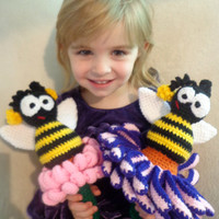 CROCHET PATTERN Only - Big Bee on a Flower Rattle or Toy - Quick n' Easy, Whimsical, Textured, Amigurumi Child Baby Gift Fun Nature Animal