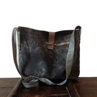 Crossbody Bag in waxed canvas / Mother's day / Waxed Canvas shoulder bag / Handmade bag / Crossbody Day Bag / Recycled Leather Bag