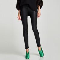 MID RISE FAUX LEATHER TROUSERS DETAILS