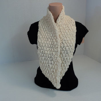 Handcrafted Wrap Cowl Cream Textured 100% Merino Wool Female Adult -- New No Tags