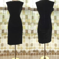 Vintage 50s 60s Black Velvet Sheath Cocktail Wiggle Dress Little Black Dress M/L