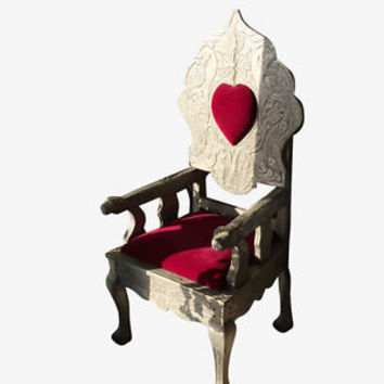 ANTIQUE QUEEN OF HEARTS CHAIR RED VELVET CUSHION CHAIR HAND CARVING FURNITURE