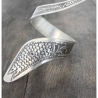 Treasure Blue Silver Etched Serpent Cuff
