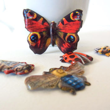 collection tin brooches / vintage metal insect pins / 1980s instant collection butterfly cicada lady bug bee brooches brooch pin