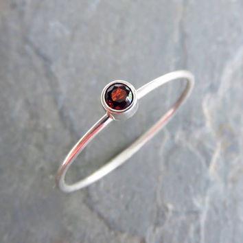 3mm Tiny Garnet Stacking Ring in 14k Yellow Gold or White Gold, Hammered, Matte, or High Polish Band - January Birthstone Mother's Ring