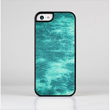 The Grungy Teal Chipped Concrete Skin-Sert Case for the Apple iPhone 5c