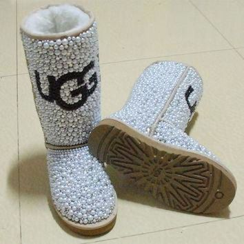 ONETOW ugg snowboots by QnKfashions on Etsy