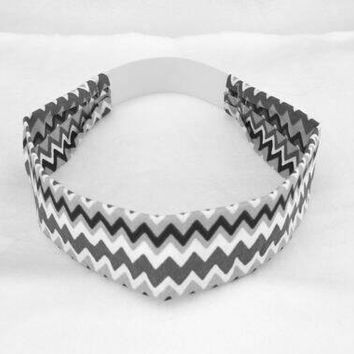 white and black chevron zig zag pattern cotton fabric headband, no slip adult elastic headband, yoga sport workout headband