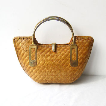Vintage 1970s 1980s lacquered woven straw wicker and brass handbag