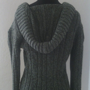 OLD NAVY Vintage Women's hooded sweater. Long sleeed. Three toggles at neckline. Size meduim. Cotton, Lambswool nylon and aetate blend.