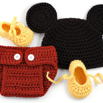 9c0910ff8b37d Mickey Mouse Inspired Crochet Newborn Set    Baby Photo Prop