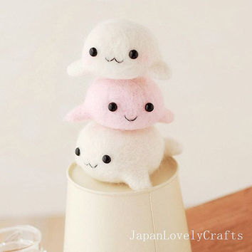 Japanese Needle Wool Felt Mascot DIY Kit - Seal Brothers - Midori Hattori - Hamanaka Kit - Kawaii Felting Kit - Easy Tutorial, F46