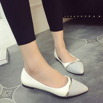 Flat spring documentary patent leather shoes lighter color pointed