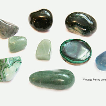 Mixed Polished Stones, Minerals, Agates, Malachite, Green Lot