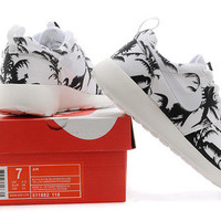 n023 - Nike Roshe Run (Tree White/Black)