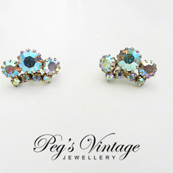 Aurora Borealis Earrings//Swarovski Crystal Rhinestone Screw On Antique Vintage 1950s Gold Tone Earrings