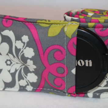Camera strap WITH LENS POCKET  Vintage Pink by madebymeegz on Etsy