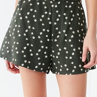 UO Abella A-Line Short | Urban Outfitters