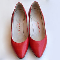 Vintage Red Pumps Kitten Heel Shoes Round Toe Leather US 5.5 / EUR 36