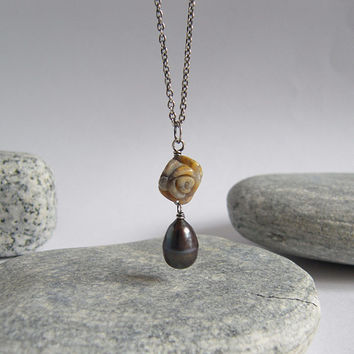 Agate Flower Black Pearl Oxidized Sterling Silver Necklace Drop Pendant Delicate Chain