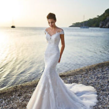 Cap Sleeves Mermaid Lace Wedding Dress with Illusion Back Bridal Gown
