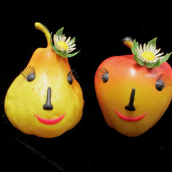 2 Reliance Alice Apple Pear Bank Set Anthropomorphic 1950s Fruit Face Plastic Fruit