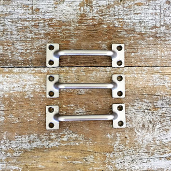 Drawer Handles 3 Drawer Pulls Silver Drawer Handle Nautical Drawer Pull Antique Hardware Vintage Dresser Hardware Cabinet Drawer Pulls