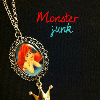 THE LITTLE MERMAID Ariel Necklace. Disney princess