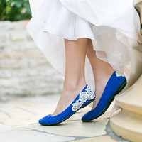 Wedding Flats - Cobalt Blue Bridal Ballet Flats, Wedding Shoes with Ivory Lace. US Size 9